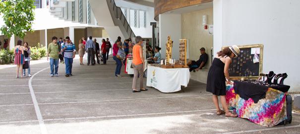 Inician las clases en el Recinto con Feria Informativa y Cultural