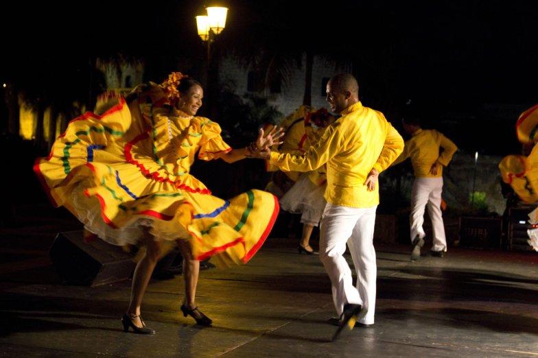 Bailes-de-Santo-Domingo